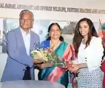 Mr. R.A Goenka, Hon Consul Republic of Kenya and His Wife being greeted