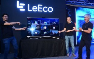 Extreme Left Mr.Atul Jain, COO of Smart Electronics Business at LeEco India.