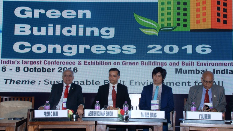 Mr Ashish Kumar Singh, IAS, Principal Secretary, Public Works Department, Government of Maharashtra (second from left) at the inaugural session of IGBC Green Building Congress 2016
