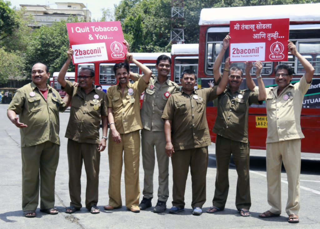 BEST employees, participating in the Tumbaku Mukt Best campaign supported by 2baconil, Heroes have succesfully quit tabacco dependence under the initiative on the eve of World No Tobacco Day in Mumbai on Tuesday – Photo by Sachin Murdeshwar GPN NETWORK.