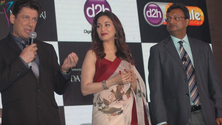 Dr. Shriram Nene with  Madhuri Dixit Meme and Sugato Banerji – Head Marketing, Videocon d2h at the launch of Videocon d2h's new value added service, d2h Nachle, in Mumbai on Wednesday 10 May 2017– photo by Sachin Murdeshwar GPN NETWORK.
