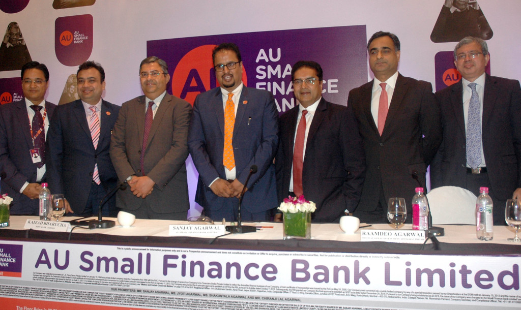 (L-R): Mr. Deepak Jain (Chief Financial Officer, AU Small Finance Bank Limited), Mr. Uttam Tibrewal (Executive Director, AU Small Finance Bank Limited), Mr. Kaizad Bharucha (HDFC Bank Limited), Mr. Sanjay Agarwal (MD & CEO, AU Small Finance Bank Limited), Mr. Raamdeo Agarwal (Motilal Oswal Investment Advisors Limited), Mr. Ravi Kapoor (Citigroup Global Markets India) and Mr. Mridul Mehta (ICICI Securities Limited) at the press conference of AU Small Finance Bank.- Photo By Sachin Murdeshwar GPN NETWORK