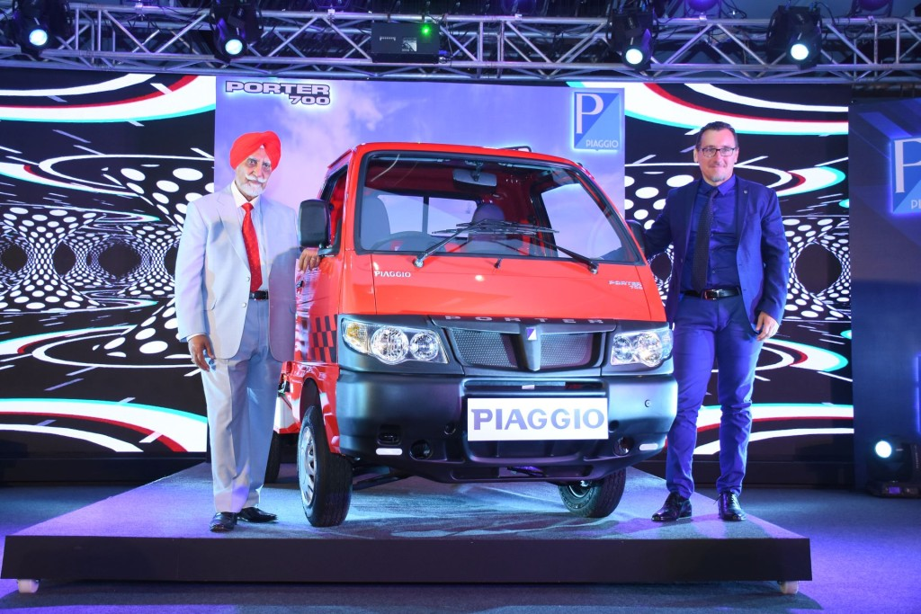 "From L to R: Mr Ravi Chopra, Chairman of Piaggio Vehicles Pvt Ltd and Mr Diego Graffi, the new CEO of Piaggio Vehicles Pvt Ltd at the launch of New Small Commercial Vehicle, ""Porter 700"", in Mumbai.- Photo By Sachin Murdeshwar GPN NETWORK."