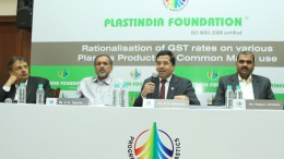 Mr. K K Seksaria president Plastindia foundation addressing the media to highlights the anomalies in the proposed GST structure for the plastics industry - Photo By Sachin Murdeshwar GPN NETWORK.
