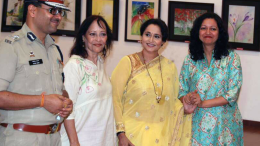 Actress Nishigandha Wad inaugurates Mamta Gogte art Exhibition 'Brushful of Colours' - Photo By Sachin Murdeshwar GPN NETWORK.