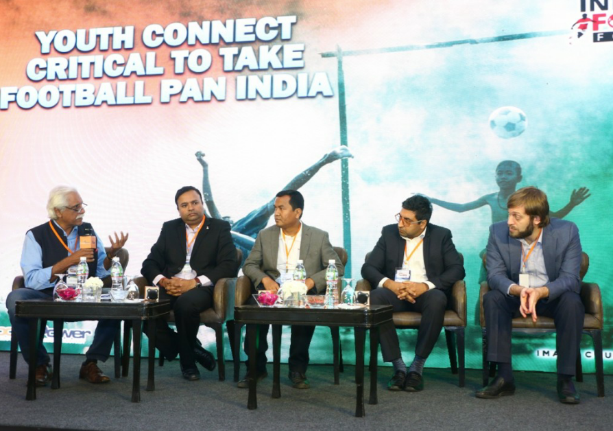(L-R ) Ayaz Memon,Sports Commentator, Sunando Dhar, CEO, I-League, Biswanath Sinha, Associate Director, Tata Trusts, Vivek Sethia, CEO, India On Track along with Javier Ceppi, Tournament Director, Local Organising Committee, U17 FIFA World Cup 2017 at the Star Sports India Football Forum 2017 in Mumbai - Photo By Sachin Murdeshwar GPN (Global Prime News)