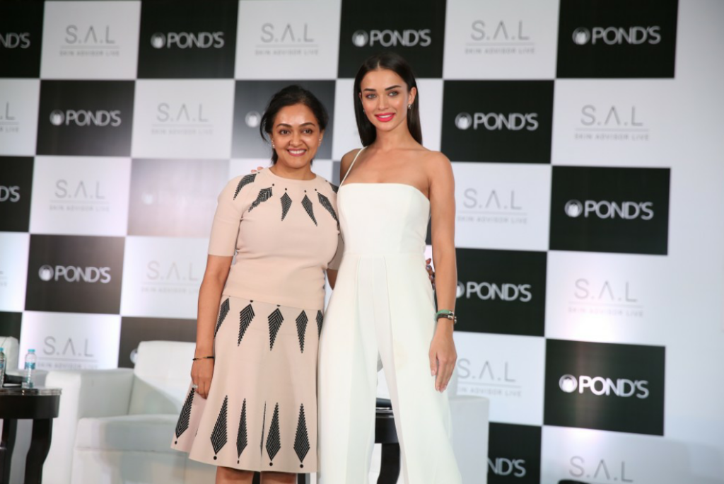 Pond's Brand Ambassador Amy Jackson with Pond's SKin Expert DR Rashmi Shetty - Photo By Sachin Murdeshwar GPN (Global Prime News)