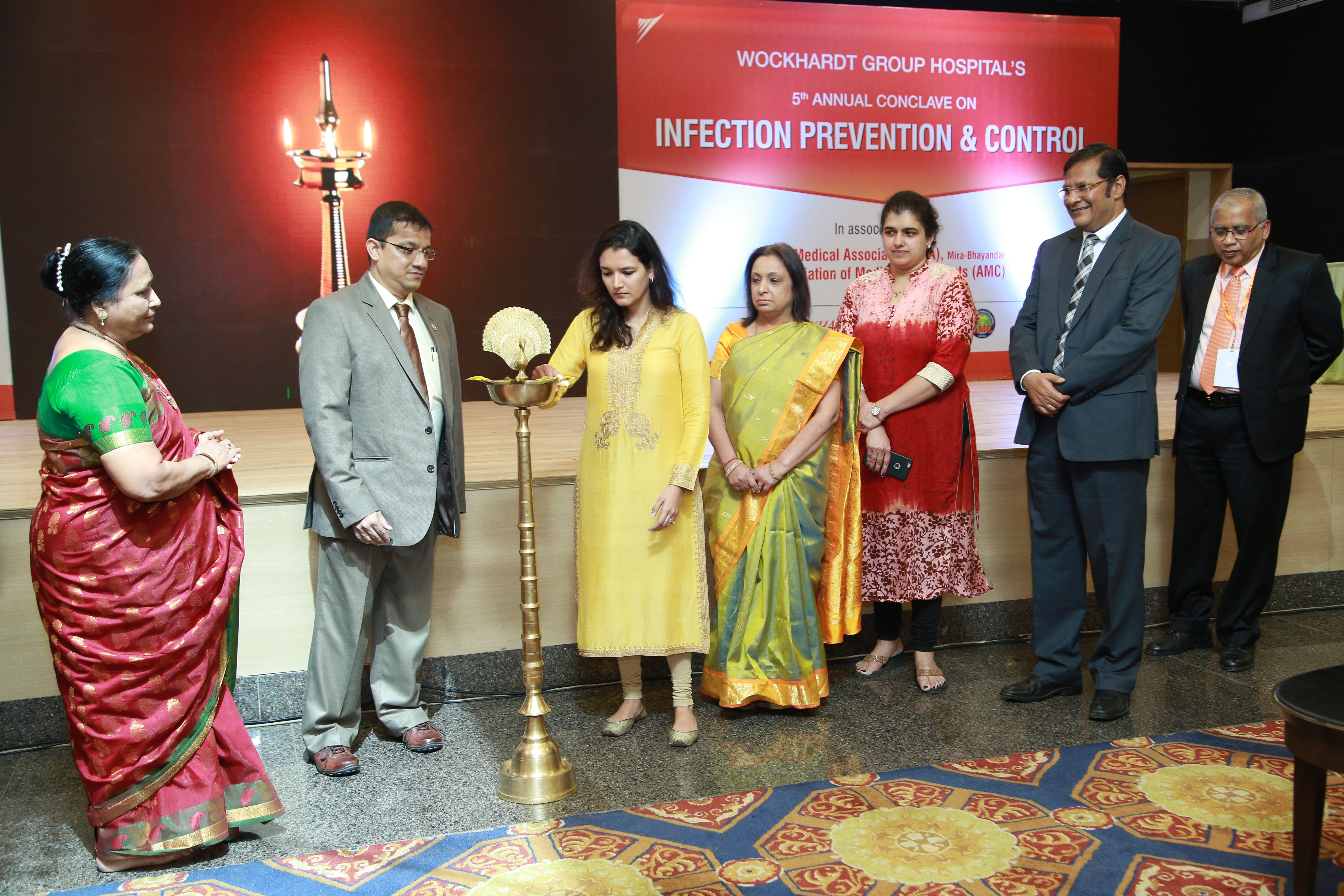 Ms. Zahabiya Khorakiwala, MD, Wockhardt Hospitals (3rd from right) along with other dignitaies lighting the lamp to inaugurate hospital's 5th Infection Prevention and Control Conclave / Photo By Sachin Murdeshwar GPN
