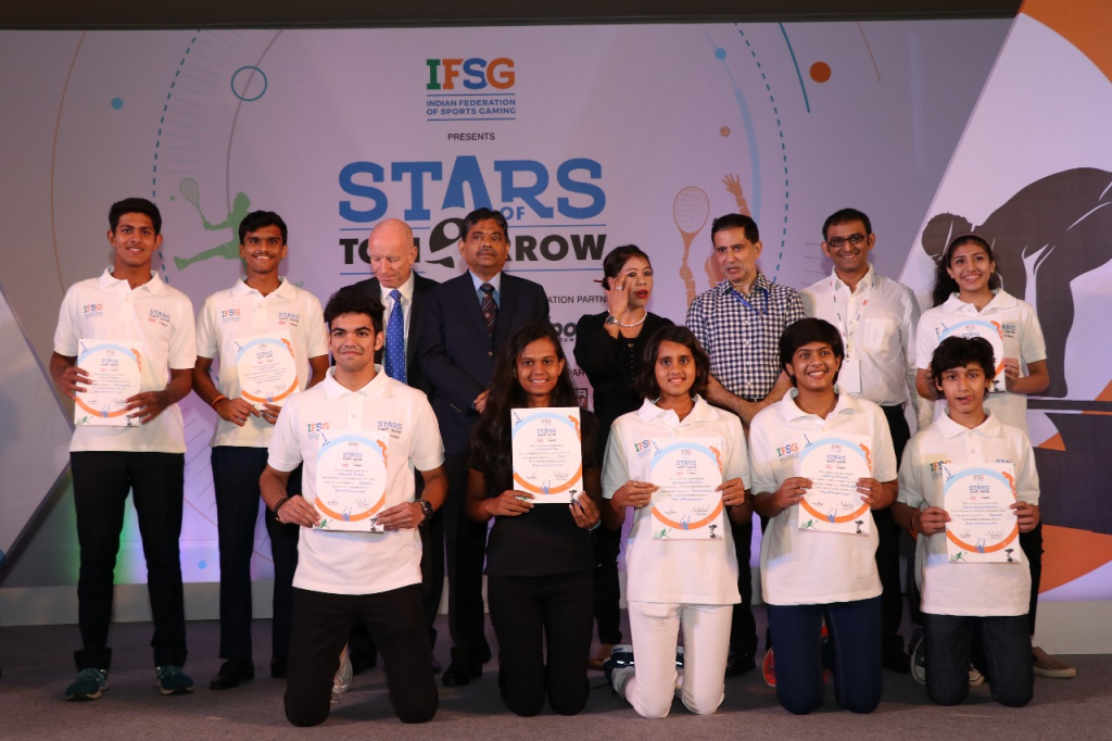 (L-R) John Loffagen, Ratnakar Shetty and Mary Kom with the Young athletes at the launch event of IFSG - Stars of Tomorrow - Photo By Sachin Murdeshwar GPN News Network