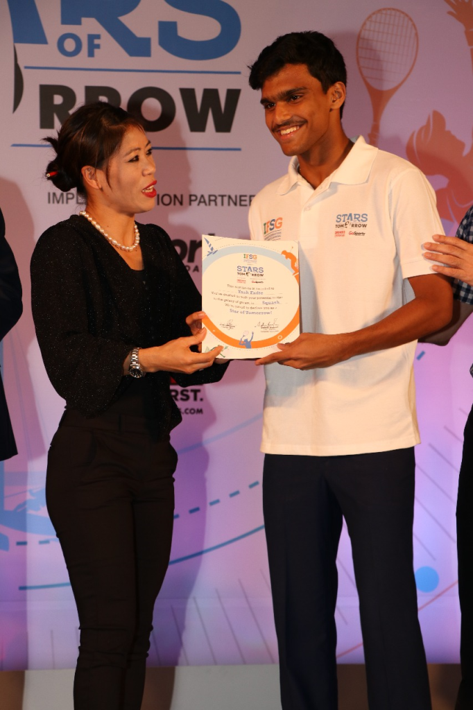 Mary Kom felecitating the young athletes at the IFSG - Stars of Tomorrow - Photo By Sachin Murdeshwar GPN News Network