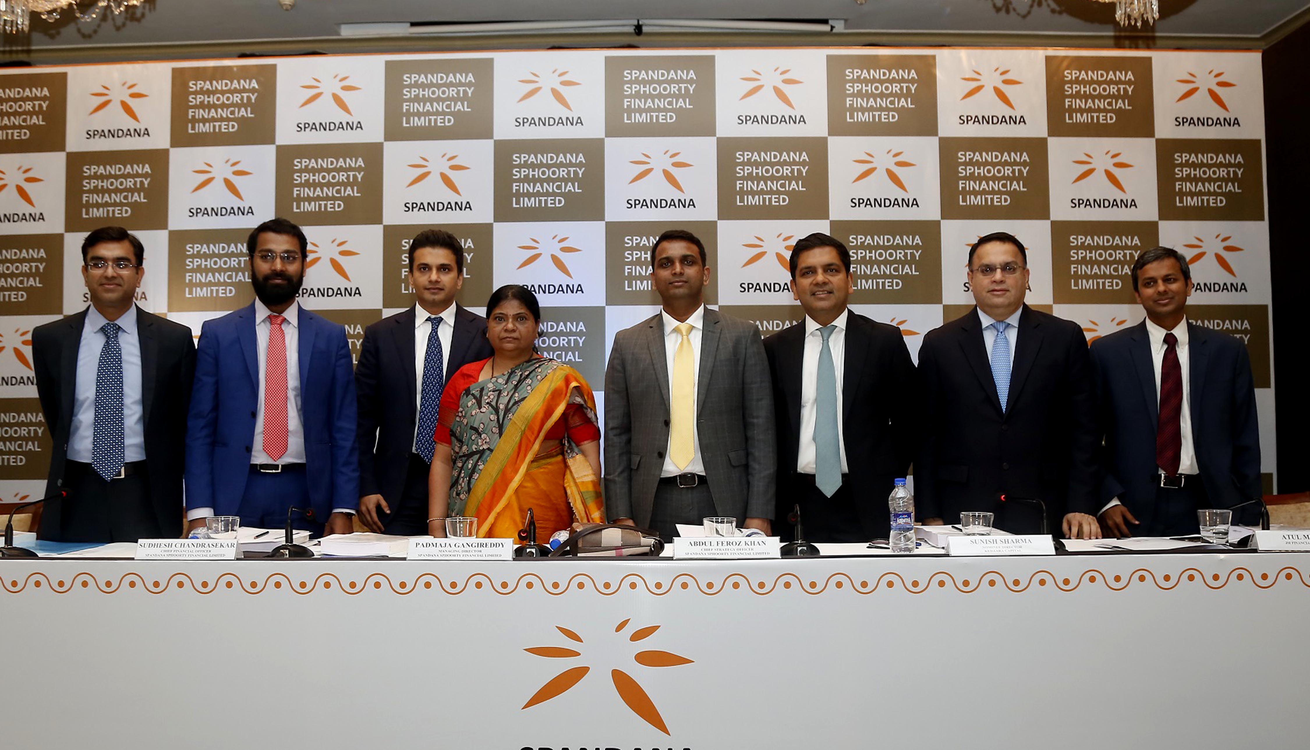 MUMBAI, (GPN): From L-R: Pritish Kandoi (ICICI Securities Limited), Sudhesh Chandrasekar (Chief Financial Officer, Spandana Sphoorty Financial Limited), Chirag Negandhi (AXIS Capital Limited), Padmaja Gangireddy ( Managing Director, Spandana Sphoorty Financial Limited), Abdul Feroz Khan ( Chief Strategy Officer, Spandana Sphoorty Financial Limited), Sunish Sharma (Nominee Director, Kedara Capital), Atul Mehra (JM Financial Limited), Nipun Goel (IIFL Holdings Limited) at the announcement of company's Initial Public Offer (IPO) in Mumbai - Photo By Sachin Murdeshwar