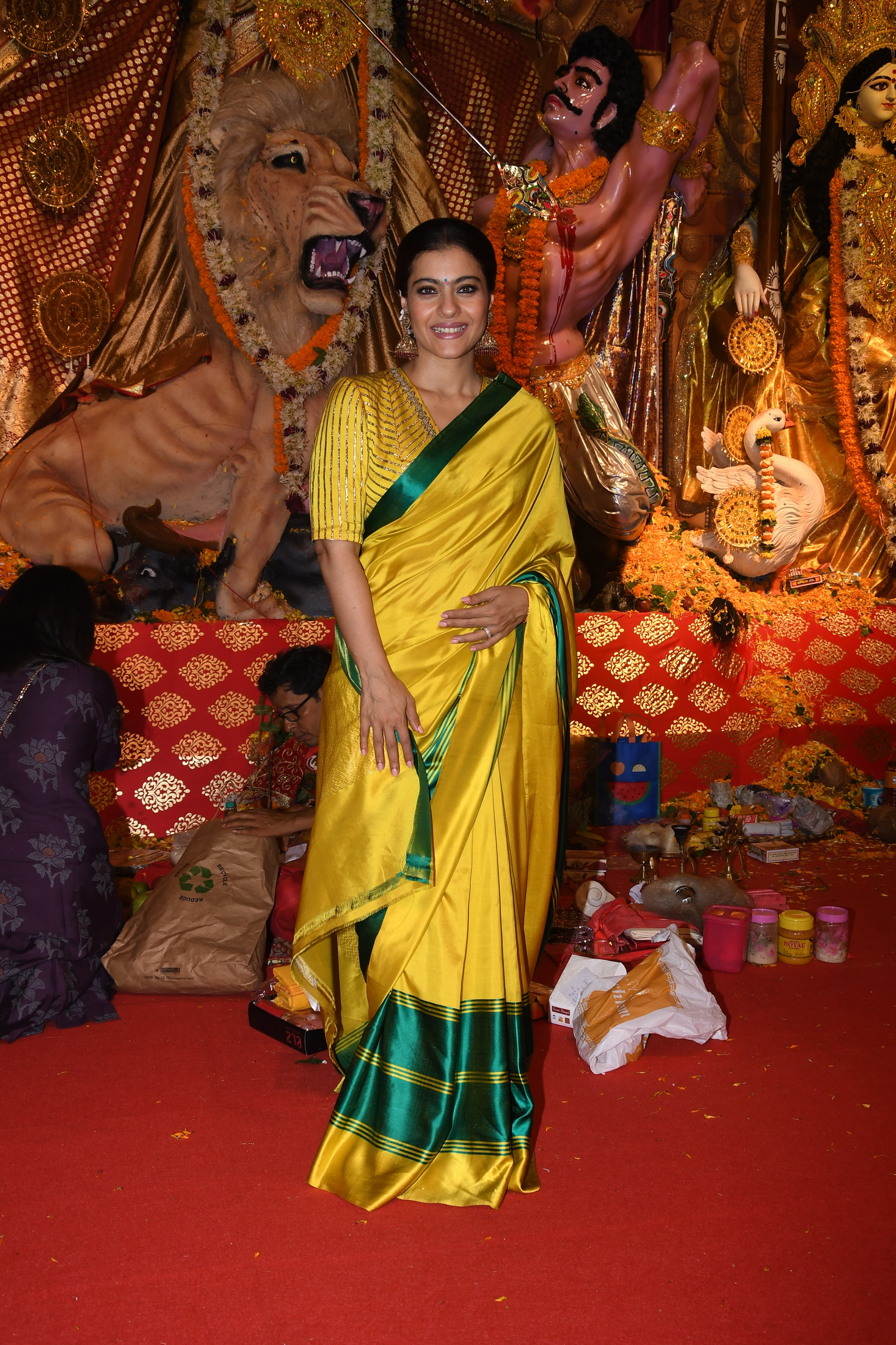 Kajol Devgan at North Bombay Sarbojanin Durga Puja Samiti's DURGA PUJA on Ashtami Day -Photo By Sachin Murdeshwar / GPN