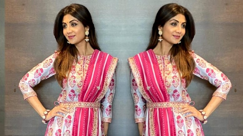 Actress Shilpa Shetty Kundra looks resplendent in Punit Balana's Fuchsia Pink Kurta set at her residence on Day 2 of Ganesh Chaturthi – Global Prime News
